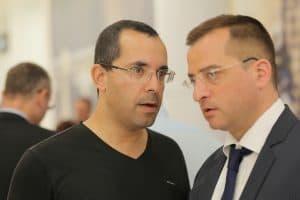 חגי אדורם מדבר עם רונן מרדכי גרין