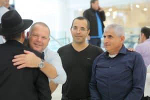 שימי דניאל עם רונן מרדכי גרין ודב לטבינוף